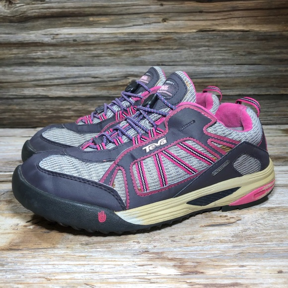 Teva Charge WP Pink Outdoor Shoes Kids 5